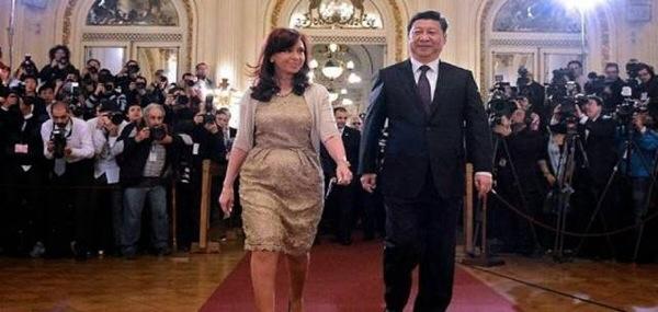 """Η Αργεντινή ΔΙΕΓΡΑΨΕ το χρέος! Που ειναι οι νταβατζηδες και οι ψεκασμένοι τηλεκλόουν να μας """"ενημερώσουν"""" για τις εξελίξεις;"""