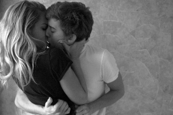 Οι 10 πιο συνηθισμένες σeξουαλικές φαντασιώσεις ανδρών και γυναικών